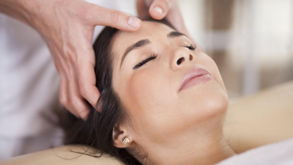 cómo aplicar masajes capilares