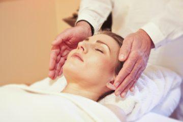masaje de reflexología facial